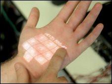 التقنية الجديدة تسمح بتشغيل التليفون المحمول بالنقر على راحة اليد