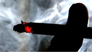 يتفاعل جسم المدخن بسرعة مع المادة الكيماوية التي يمتصها من السجائر